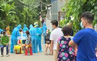 """Vừa được công bố là vùng xanh ít ngày, """"phố thời trang"""" Bình Dương có 73 người nghi nhiễm"""