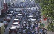 """Hà Nội quyết định dùng mẫu giấy đi đường cũ: """"Sự điều chỉnh kịp thời, lắng nghe, hợp lòng dân"""""""