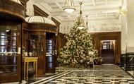 Khách sạn tráng lệ nhất thế giới trang hoàng đón Noel