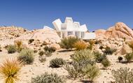 Ngôi nhà container như 'sao nổ' giữa sa mạc California