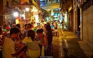 Mê mẩn những món ăn đường phố về đêm tại Hồng Kông