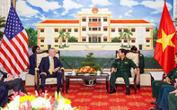 Đại tướng Ngô Xuân Lịch tiếp Bộ trưởng Quốc phòng Hoa Kỳ James Mattis tại TP Hồ Chí Minh