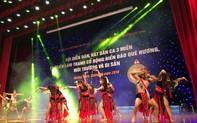 Đàn, hát Dân ca 3 miền toàn quốc rộn ràng bên bờ di sản Vịnh Hạ Long