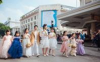 Giới trẻ hà thành chưng diện phong cách thời trang đường phố cực chất cùng thú cưng