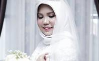 Hôn phu gặp nạn trên chuyến bay Lion Air, cô dâu vẫn tổ chức đám cưới một mình vì lời nhắn trước khi anh đi