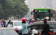 """Bị tạt đầu, chiếm đường như """"cơm bữa"""", buýt nhanh BRT đang thành """"buýt chậm"""""""