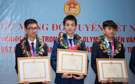 """Việt Nam đại thắng Olympic Thiên văn học: BTC """"nghẹn lời"""" trước lời giải xuất sắc hơn cả đáp án của thí sinh Hà Nội"""
