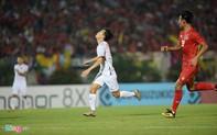 Tình huống trọng tài từ chối  bàn thắng của Văn Toàn