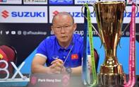 """Trước """"sức ép"""" cực lớn ở sân khách: HLV Park Hang-Seo sẽ chỉ đạo cầu thủ bằng ký hiệu"""