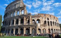 Du khách bị cảnh sát Italia bắt giữ vì gỡ gạch từ di tích đấu trường Colosseo