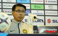 """Thua cay đắng, HLV đội tuyển Malaysia thừa nhận """"tâm phục khẩu phục"""" HLV Park Hang-seo"""
