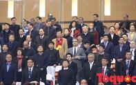 Thủ tướng, Chủ tịch Quốc hội xuống sân động viên các cầu thủ đội tuyển Việt Nam