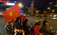 Người dân Đà Nẵng xuống đường mừng chiến thắng của đội tuyển Việt Nam