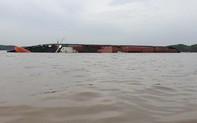 Ảnh hiện trường tàu chở 290 container chìm ở Cần Giờ