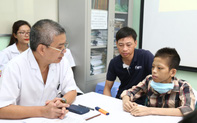 Từng bị bác sĩ tiên lượng sống chỉ còn vài ngày, bệnh nhân 18 tuổi hồi sinh kỳ diệu sau ca ghép 2 phổi
