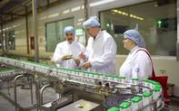 Thăm Vinamilk, Thứ trưởng Bộ Nông nghiệp Mỹ đánh giá cao trước sự phát triển của ngành sữa Việt Nam