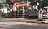 Trường chuẩn quốc gia bị tố lạm thu tiền đầu năm học