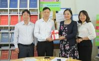 Trao tặng hơn 4.000 đầu sách cho các thư viện, trường học tỉnh Hòa Bình
