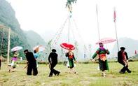 Nâng cao năng lực bảo tồn và phát huy bản sắc văn hóa dân tộc thiểu số gắn với xây dựng nông thôn mới