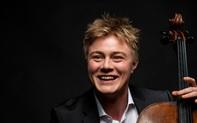 """Nghệ sĩ cello trẻ Jonathan Swensen: """"Tôi bất ngờ khi tìm hiểu về Dàn nhạc Giao hưởng Mặt Trời"""""""