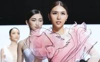 """Thí sinh Tường Linh """"mất tích"""" trong lúc đang thi Hoa hậu Hoàn vũ Việt Nam?"""