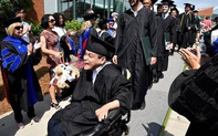 4 người trẻ khuyết tật tài năng vượt lũy tre làng, vươn ra thế giới