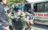 Nghệ An: Xe chở đoàn người khuyết tật đi làm từ thiện đâm vào vách núi, 5 người thương vong