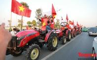 """Dàn công nông siêu chất """"xếp lốp"""" đón U22 Việt Nam về nước"""