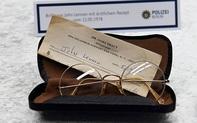 Kính của John Lennon được bán đấu giá 137.500 bảng Anh