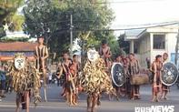 Hàng nghìn nghệ nhân biểu diễn trong lễ hội đường phố 'Vũ điệu cồng chiêng'