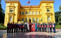 Trao Quyết định của Chủ tịch nước cho 18 Đại sứ nhiệm kỳ 2019-2022