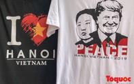 Áo in hình Tổng thống Trump và Chủ tịch Kim bán đắt như tôm tươi