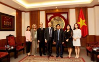 Bộ trưởng Nguyễn Ngọc Thiện và Đại sứ Italia tại Việt Nam trao đổi về tình hình hợp tác văn hóa, thể thao và du lịch