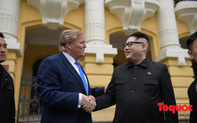 Trước thềm Hội nghị Thượng đỉnh Mỹ- Triều: Hai người đóng giả Tổng thống Mỹ và Chủ tịch Triều Tiên hâm nóng đường phố Hà Nội