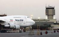 Hốt hoảng máy bay bốc cháy tại sân bay Iran: Loạt dữ liệu trái chiều