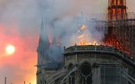 Đau lòng hình ảnh Nhà thờ Đức bà Paris chìm trong biển lửa