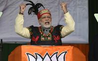 """Narendra Modi """"tổng lực"""" giành lá phiếu của cử tri Ấn Độ"""