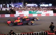 Tay đua huyền thoại thế giới tặng mũ bảo hiểm cho Chủ tịch Hà Nội