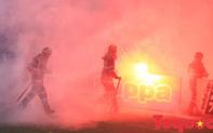 Vấn nạn pháo sáng: Kiên quyết mạnh tay để bóng đá Việt Nam không phải là điểm đen