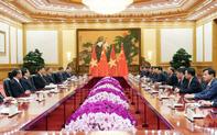 Chùm ảnh sáng làm việc đầu tiên của Thủ tướng tại Bắc Kinh