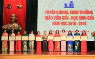 """Ngành Giáo dục và Đào tạo quận Hoàn Kiếm: Vững bước, phát triển nghề """"trồng người"""""""
