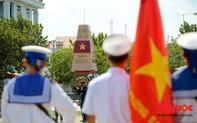 Thiêng liêng lễ chào cờ trên đảo Trường Sa