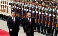 """Giữa muôn trùng áp lực từ Mỹ, Trung Quốc tìm kiếm """"tương đồng"""" Nga, Ấn"""