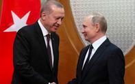 """""""Rồng lửa"""" S-400 hé lộ kết nối """"bằng mặt mà không bằng lòng"""" giữa Nga và Thổ"""