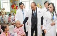 Thủ  tướng nhắc đến mẹ con bé Bình An trong ngày Lễ kỷ niệm 50 năm Bệnh viện K