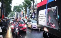 Độc đáo: Xe ô tô biết…tâm sự trên đường phố