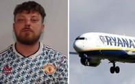 """Fan Manchester United """"say rượu loạn tính"""": Đấm gãy răng hành khách Ryan Air"""