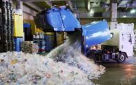 """Kết luận """"gây sốc"""" của WHO về tác hại của hàng trăm nghìn mảnh vi nhựa trong nước uống hàng ngày"""