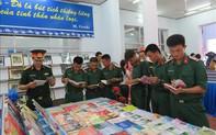 """Triển lãm sách - ảnh """"Chủ tịch Hồ Chí Minh sống mãi trong sự nghiệp của chúng ta"""" tại Cần Thơ"""