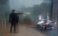 Bảo vệ đuổi người trú mưa: Cư dân mạng thẳng tay đánh tụt hạng sao khách sạn Grand Plaza